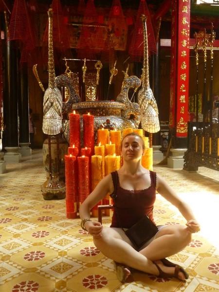 aga-meditation-temple-bouddhiste