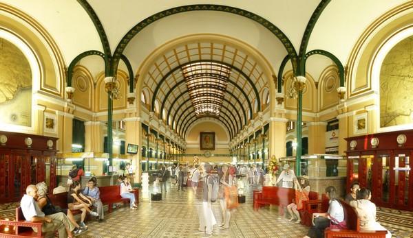 interieur-poste-centrale-ho-chi-minh-ville