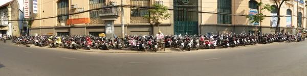 nombreux-scooters-dans-la-rue